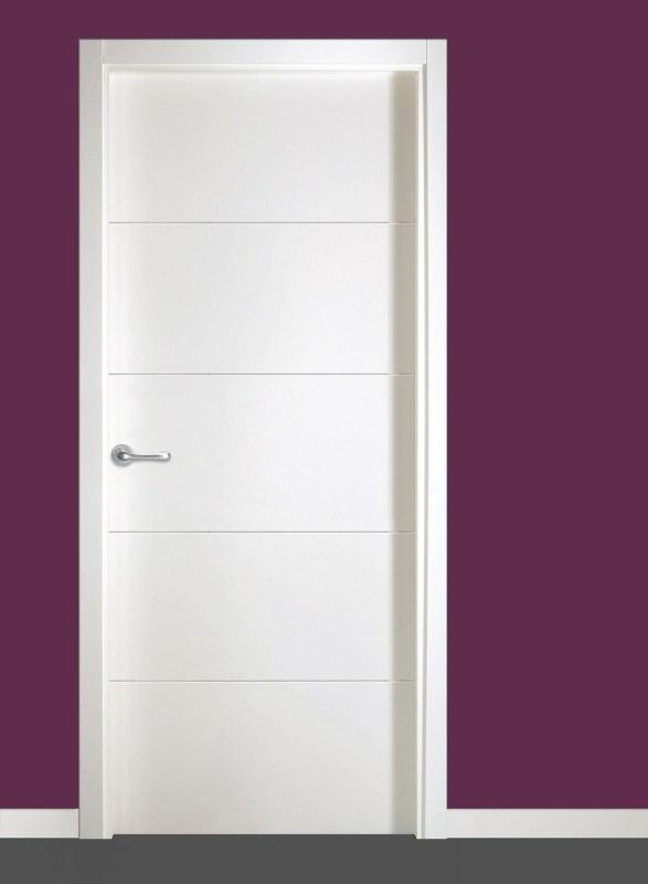 Puerta lacada vt 5 maderas g mez for Puertas de paso blancas